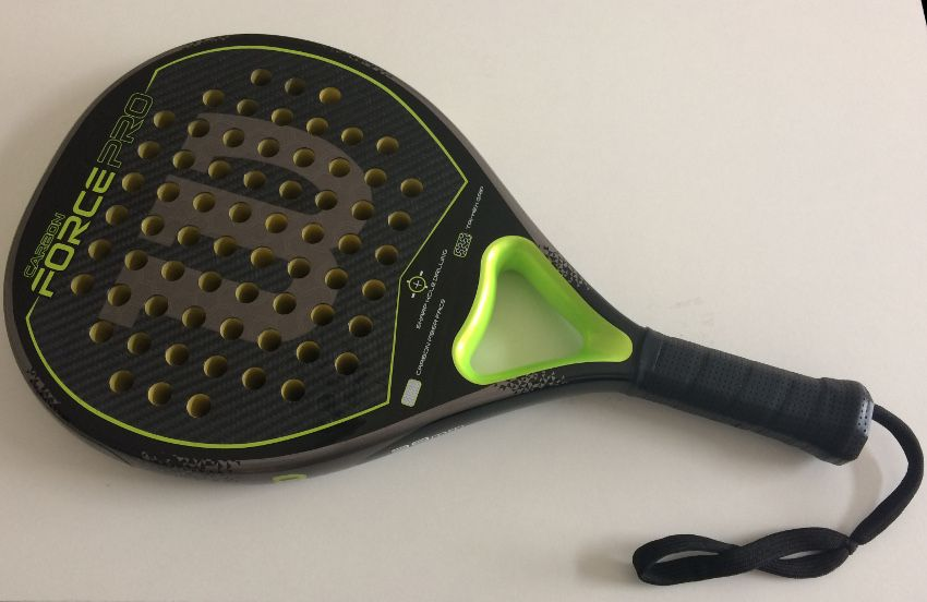 94fe1218 Si quieres una pala dura que le pegues como le pegues te lance un perdigón,  no es la pala ideal. No la recomiendo para jugadores de especificidad en el  ...