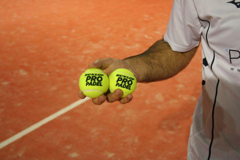 ed91c010c Antes de dar paso a nuestro análisis queremos enseñarte como fabrica la  marca Dunlop una de las pelotas de pádel más prestigiosas del mercado.